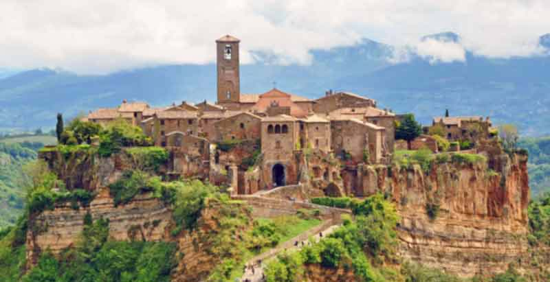 See Civita di Bagnoreggio