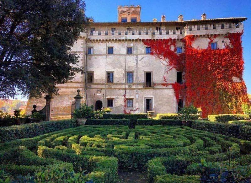 Discover The Castello Ruspoli